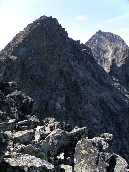 Kežmarský štít (vlevo) a Lomnický štít z Malého Kežmarského štítu