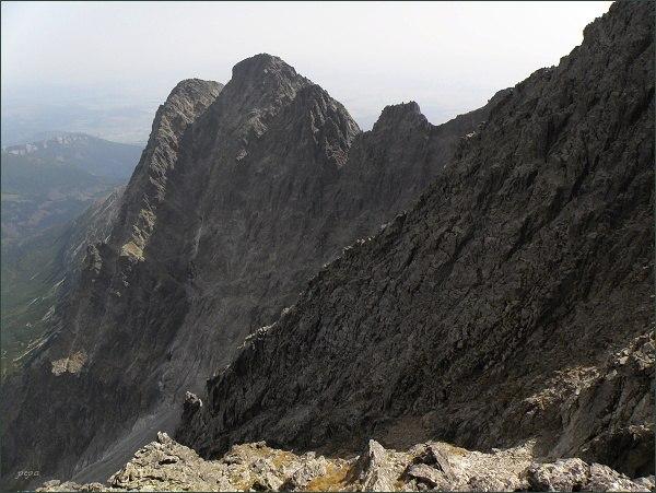 Malý Kežmarský štít (vlevo), Kežmarský štít  a Vidlové veže z Pyšného štítu