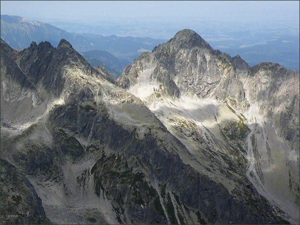 Čierny štít (vlevo) a Kolový štít z Kežmarského štítu
