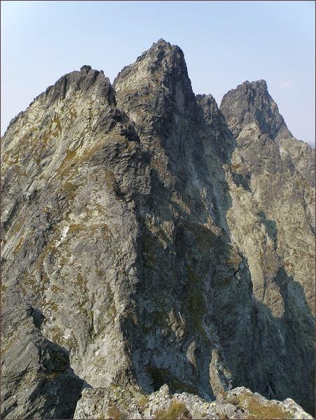 Západný Železný štít, Zlobivá (uprostřed) a Ganek z Hrubej Snežnej kopy