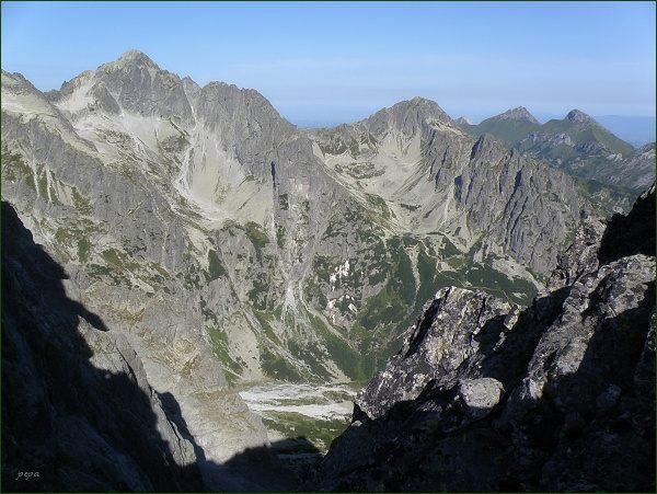 Kolový štít (vlevo), Karbunkulový hrebeň, Jahňací štít a Belianske Tatry z M. Kežmarského štítu