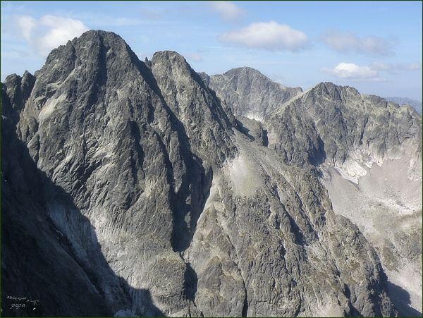 Pyšné štíty (vlevo), Ľadový štít a Baranie rohy z Malého Kežmarského štítu