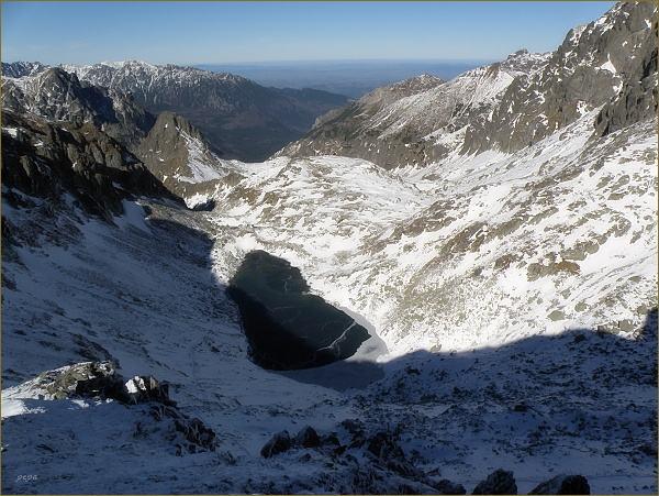 Zamrznutý kotol (Zamrznuté pleso) z cesty na Východnú Vysokú