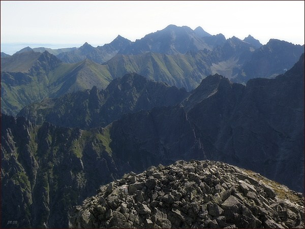 Pohled z Veľkého Mengusovského štítu k východu