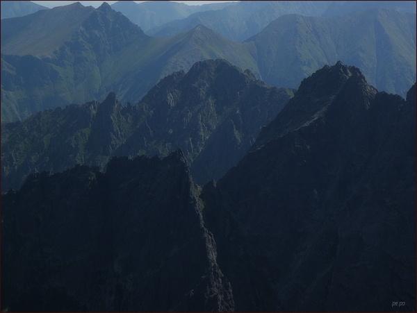Mlynár (uprostřed) z Východného Mengusovského štítu