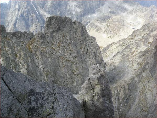 Bradavica. Západní vrchol a Zvodná lávka ze severovýchodního vrcholu