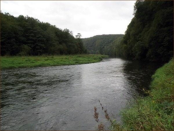 Čeká nás opětovný sestup k řece a dlouhá cesta jejím hlubokým údolím