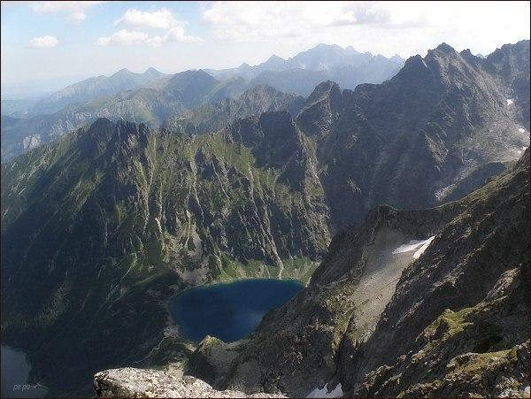 Žabí hrebeň nad Dolinou Rybiego Potoku (nad Czarnym Stawom)