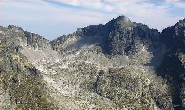 Snehový štít (vlevo), Ľadové sedlo, Baranie rohy a Baranie sedlo ze Žltej veže