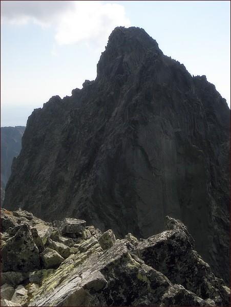 Malý hrot (blíže) a Prostredný hrot ze Žltej veže