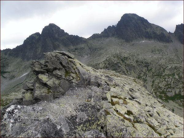 Ostrý štít a Široká veža (vpravo) ze Streleckej veže