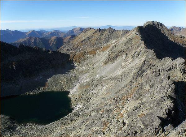 Furkotský štít (vpravo), za ním Hrubý vrch z Veľkého Soliska