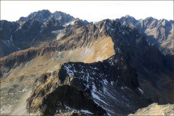 Svišťový štít z Malého Javorového štítu. Vlevo Gerlachovský štít a Zadný Gerlach