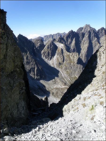 Litvorové sedlo. Pohled do Kačacej doliny