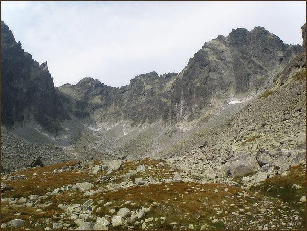 V Batizovskej doline. Zleva Drúk, Sedlo pod Drúkom, Popradský Ľadový štít, Kačací štít a Batizovský štít