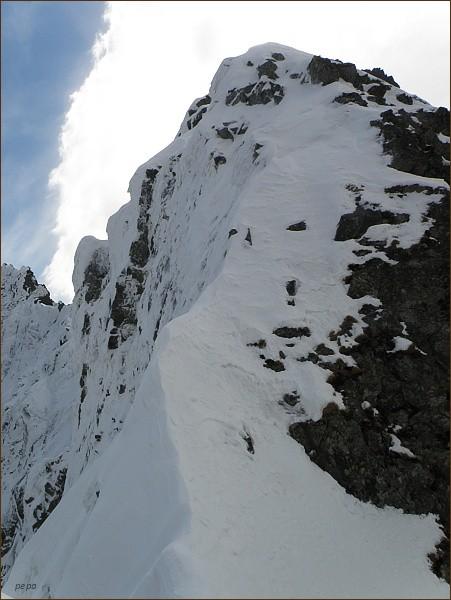 Popradský Ľadový štít nad Zlomiskovou štrbinou