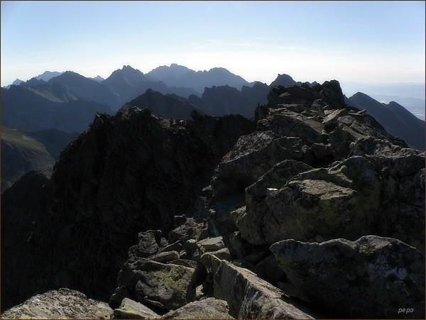 Na Hrubom vrchu. Na horizontu Koruna Vysokej, Gerlachovský štít a Končistá