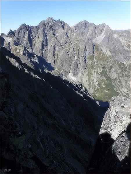 Velický štít: Nad Kačacou dolinou. Na horizontu Koruna Vysokej a Rysy