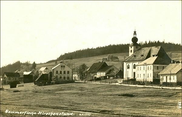 Jelení, dobová fotografie z roku 1927 (zdroj: kvmuz.cz)