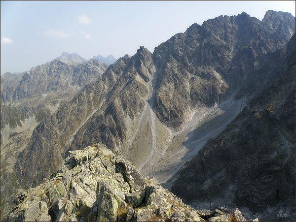 Litvorový štít (uprostřed) z Hrubej Snežnej kopy