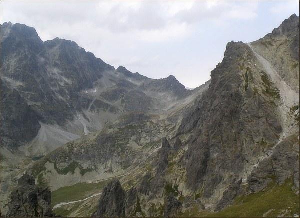 Litvorový štít (uprostřed vlevo) z Granátovej lávky