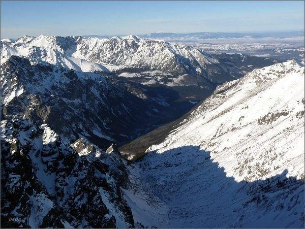 Dolina Rovienky a Bielovodská dolina z Prostredného Svišťového štítu