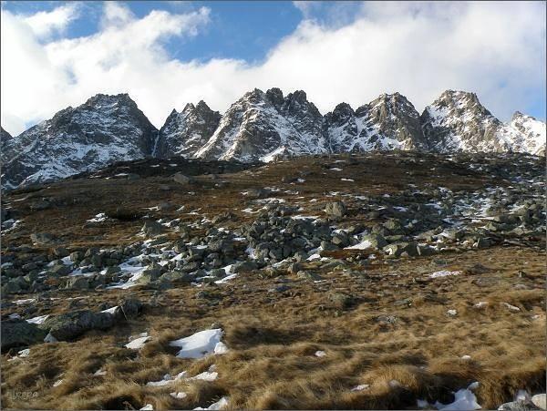 Hrebeň Bášt z Hincovej kotliny
