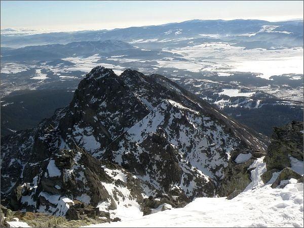 Predná Bašta, Malá Bašta a Patria ze Satana. Na horizontu Nízke Tatry (Kráľova hoľa)