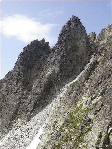 Sivý hrebeň. Vlevo Predná, vpravo Zadná veža