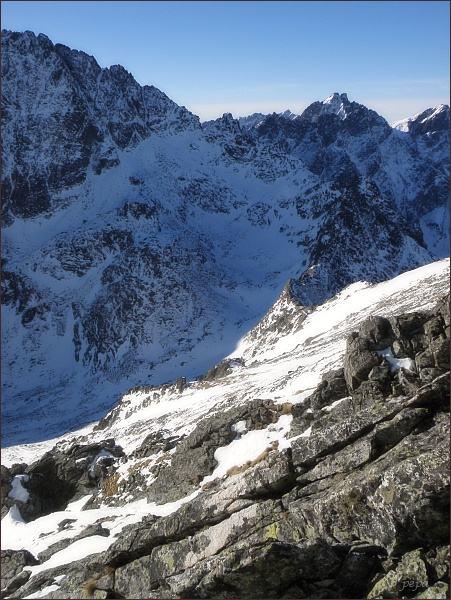 Kupola. Pohled do závěru Velickej doliny (Litvorové sedlo a Litvorový štít)
