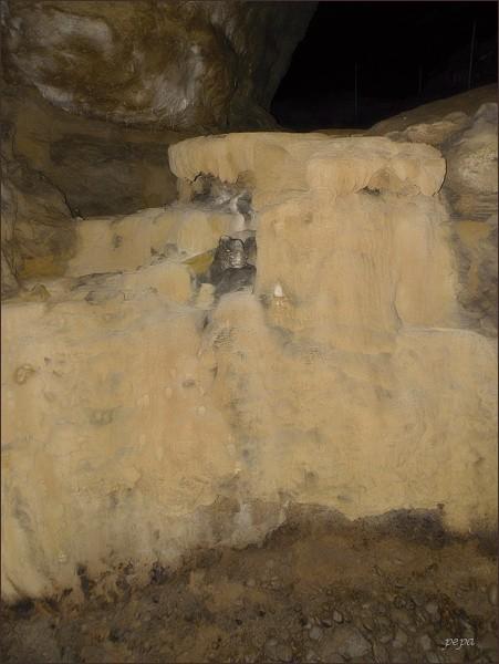 Ochozská jeskyně, Zkamenělá řeka