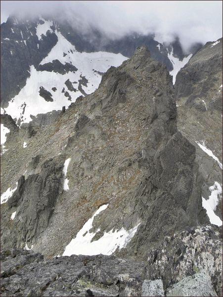 Spišská ihla (nejblíže vpravo) z Ovčiarskej veže