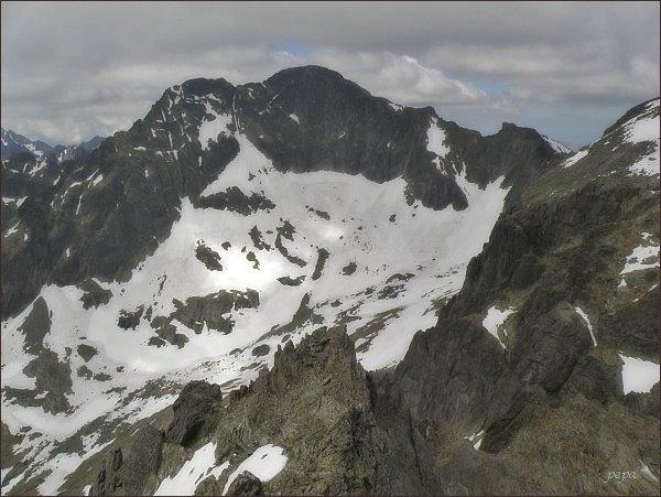 Ľadové štíty a Snehový štít (vpravo) ze Spišského štítu