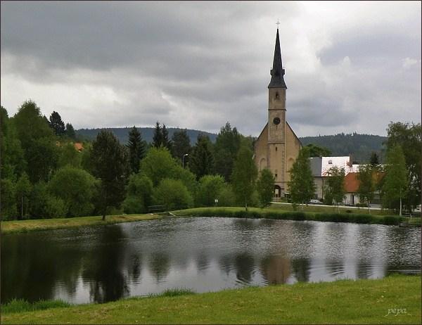 Přední Výtoň, kostel sv. Jakuba a Filipa
