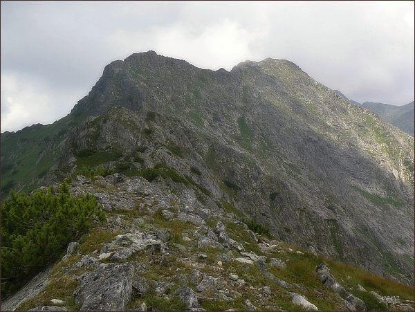 Karbik (nejblíže), Wierch nad Żlebem Zagonnym a Skrajny Wołoszyn
