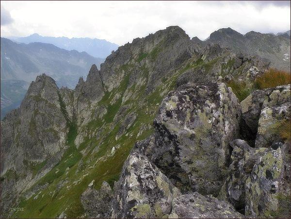 Pośredni (uprostřed),Wielki a Mały Wołoszyn (vpravo na horizontu)