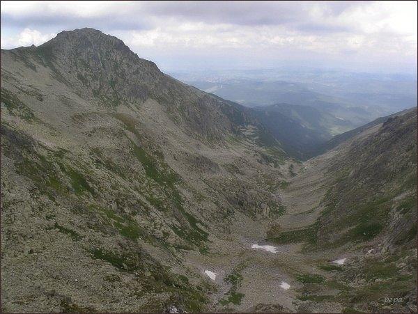 Dolina Waksmundzką z Wielk. Wołoszyna. Vlevo Wielka Koszysta