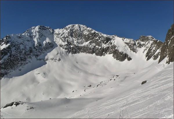 Ľadové štíty a Snehový štít (vpravo) zpod Baraních rohov