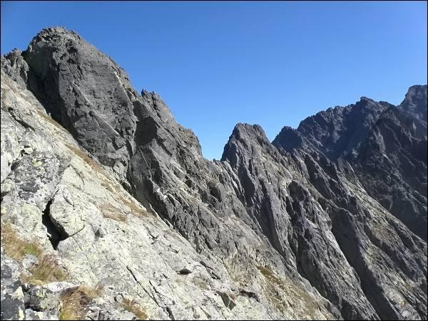 Popradský Ľadový štít a Kačací štít (uprostřed) od Sedla pod Drúkom