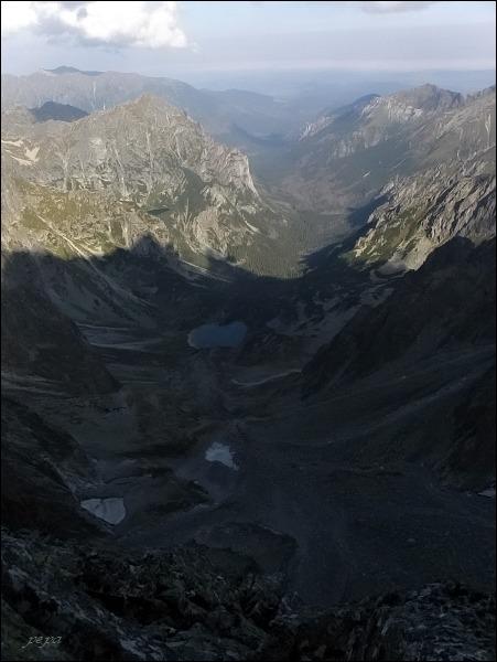 Batizovský štít. Pohled do Kačacej a Bielovodskej doliny