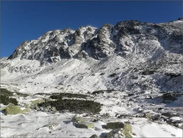 Mlynická dolina, Hrebeň Bášt