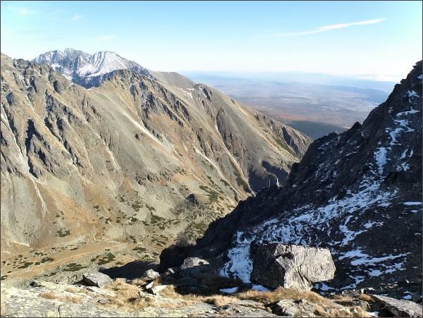 Mlynická dolina, Patria a Malá Bašta z Furkotského Soliska. Na druhém horizontu Končistá a Gerlachovský štít