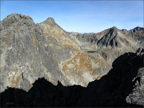 Štrbský štít (vpravo), Veľké Solisko a Malé Solisko (vlevo) z Furkotského Soliska