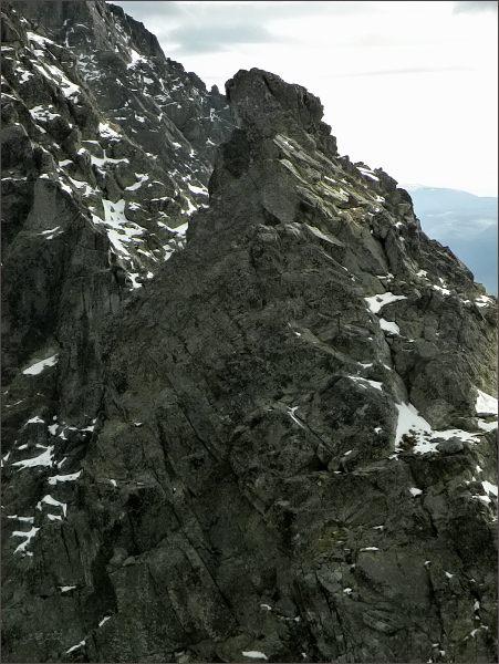 Malá Capia veža z Veľkej Capej veže