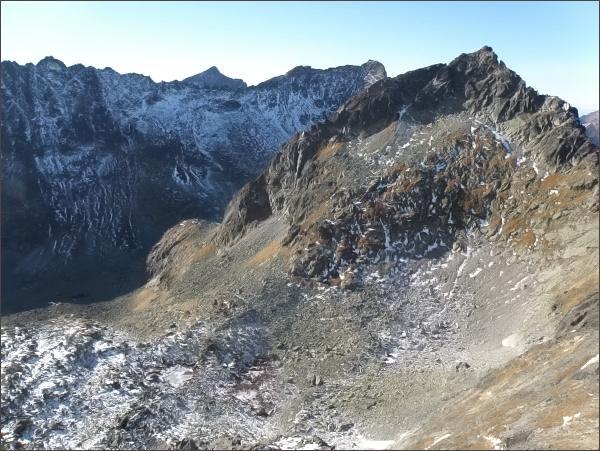 Kriváň, Furkotský štít, Hrubý vrch a Štrbský štít z Malej Capej veže