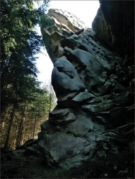 Dolní Lačnovské skály
