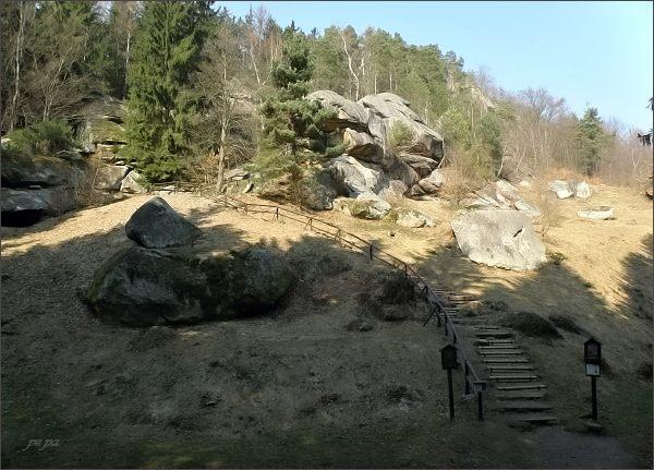 Pulčínské skály, vstup do skal