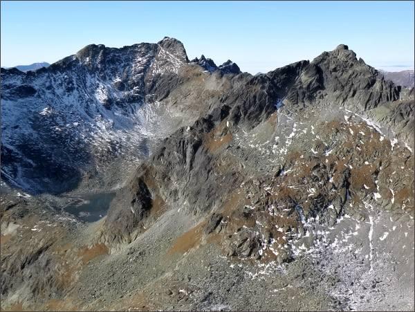 Furkotský štít (vlevo), Hrubý vrch a Štrbský štít ze Zadnej Bašty