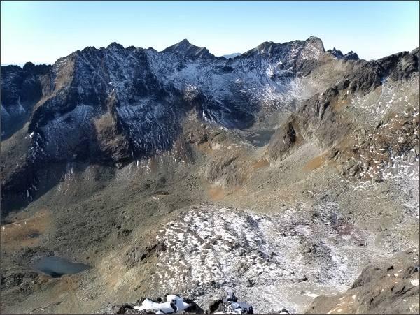 Veľké Solisko (vlevo), Kriváň, Furkotský štít a Hrubý vrch ze Zadnej Bašty