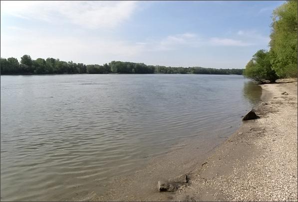 Dunaj pod Veľkolélským ostrovem